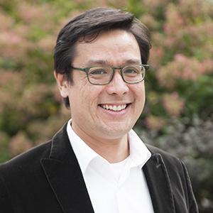 Dr. Glenn Mitoma